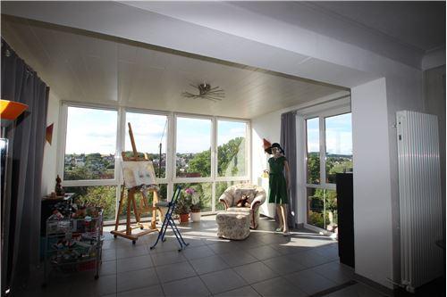 haus kaufen 10 zimmer 264 m² schwalbach foto 4
