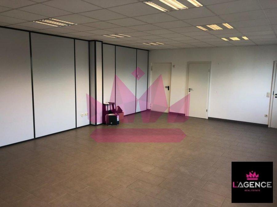 louer bureau 0 chambre 60 m² capellen photo 3