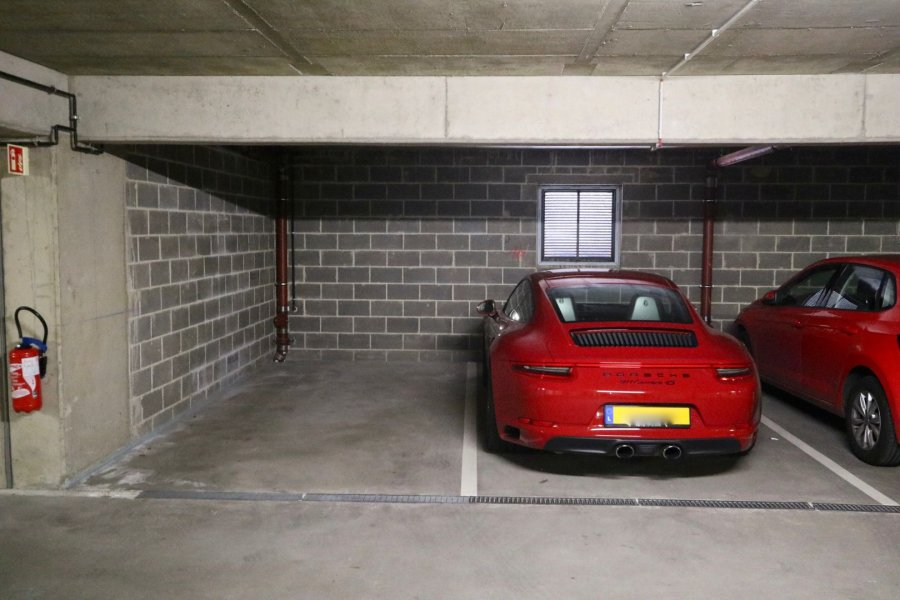 Garage - Parking à Strassen