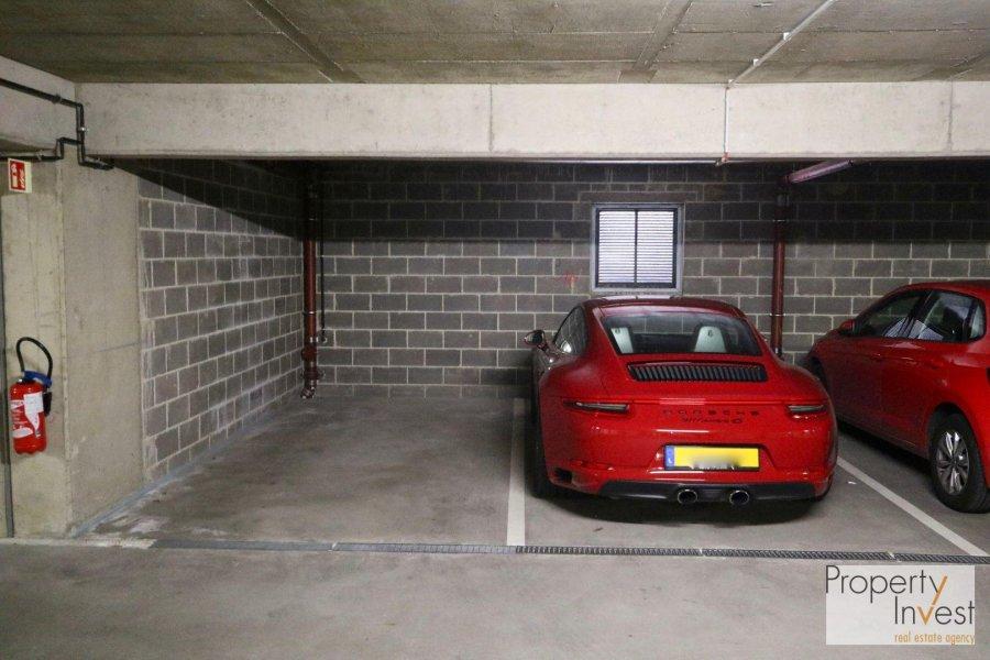 Garage - Parking à vendre à Strassen