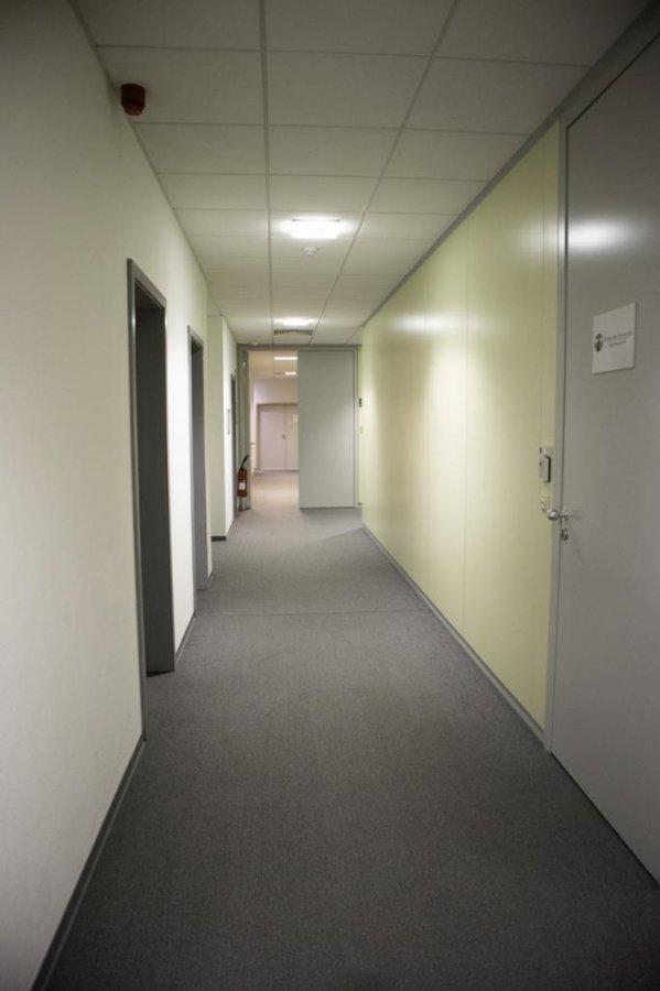 louer bureau 0 chambre 1400 m² bertrange photo 3