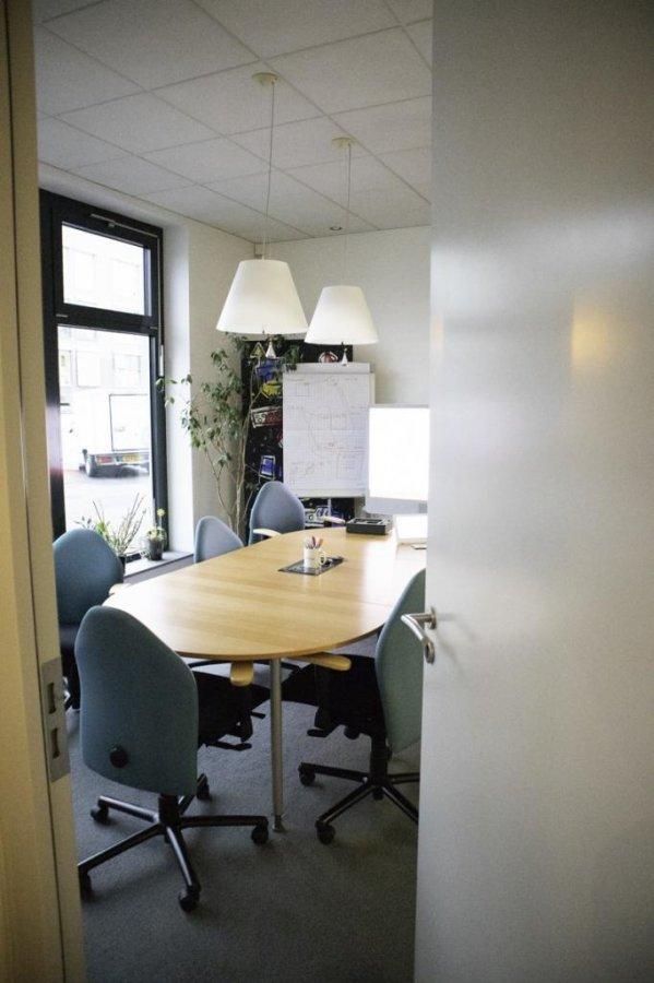 louer bureau 0 chambre 1400 m² bertrange photo 4