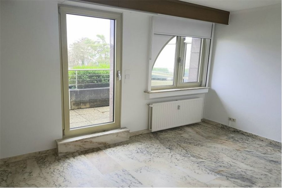 penthouse for rent 2 bedrooms 95 m² strassen photo 3