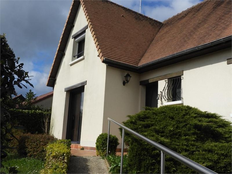 Maison individuelle en vente la bazoge 141 m 250 for Acheter la maison de ses parents