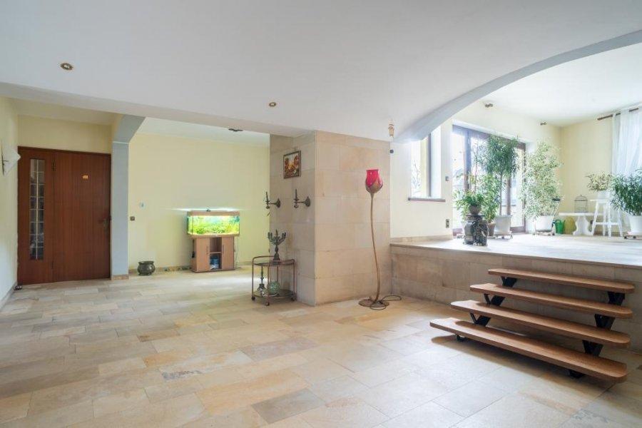Maison individuelle à vendre 10 chambres à Echternach