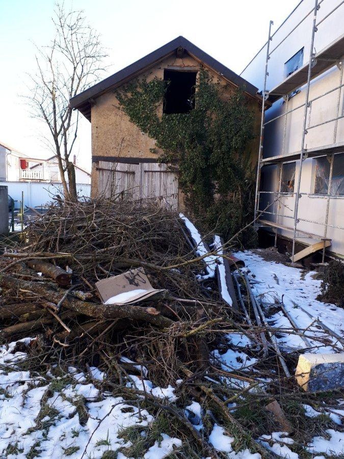 Garage fermé à vendre à Longeville-lès-Saint-Avold