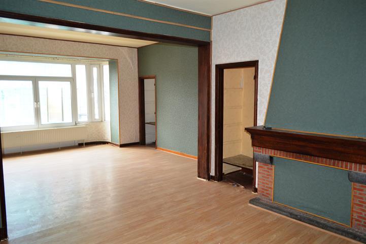 louer appartement 2 pièces 90 m² dinant photo 3