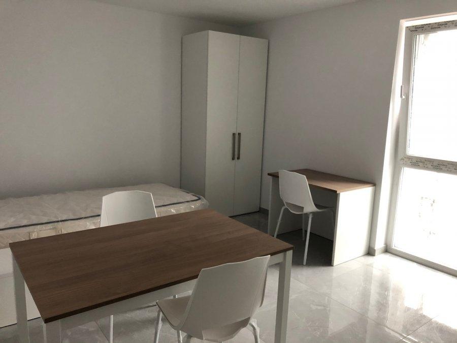 Appartement à louer 10 chambres à Schifflange