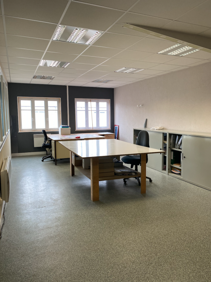 louer bureau 0 pièce 135 m² golbey photo 3