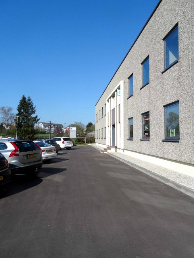 louer bureau 0 chambre 10 m² bertrange photo 1