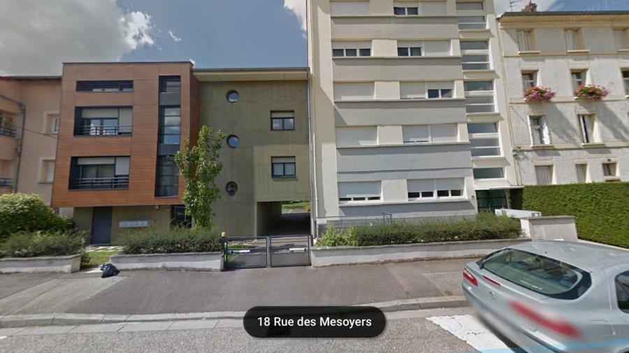 Garage ouvert à louer à Metz-Devant-les-Ponts