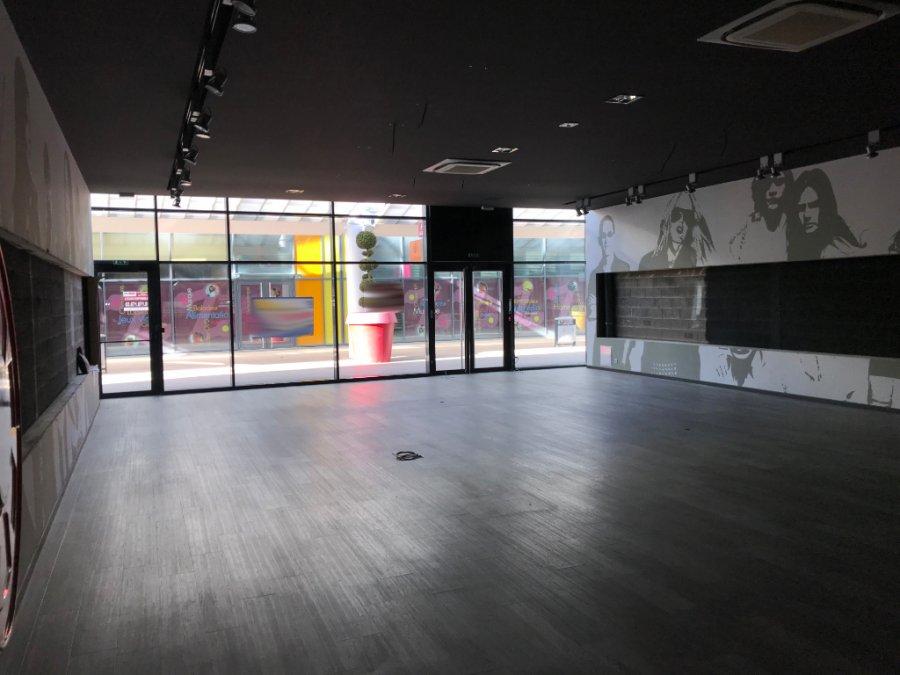 louer local commercial 0 pièce 196 m² metz photo 2