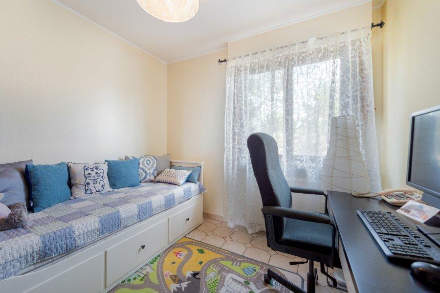 Maison jumelée à vendre 4 chambres à Sandweiler
