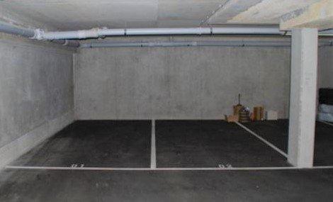 Garage fermé à louer à Helmsange