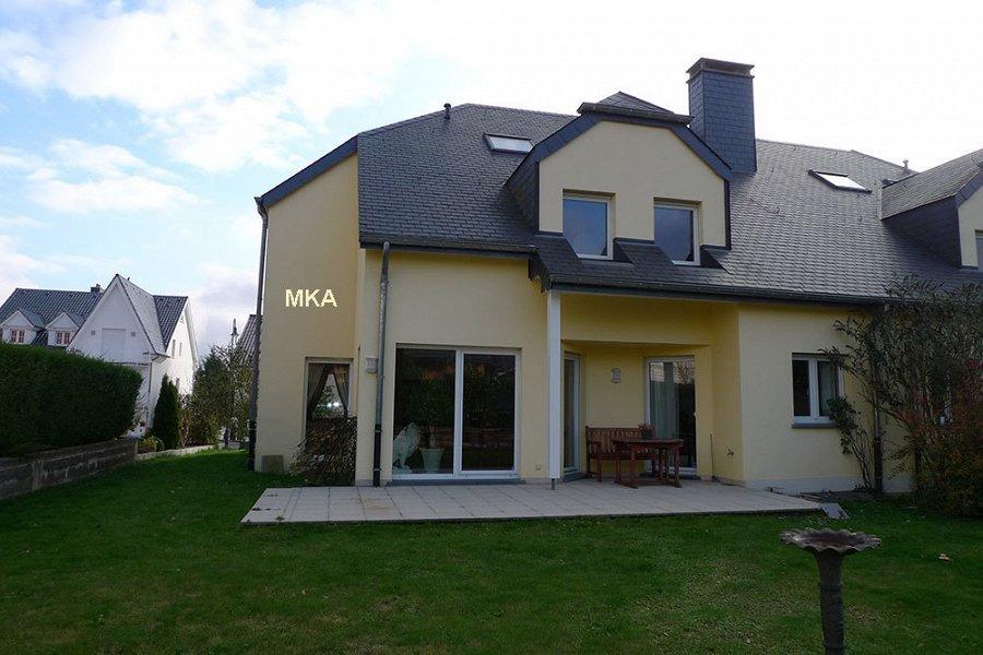 louer maison jumelée 4 chambres 246 m² bertrange photo 4