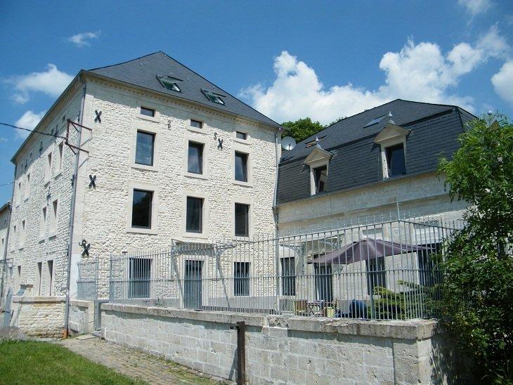Appartement à louer F6 à Bréhain-la-Ville