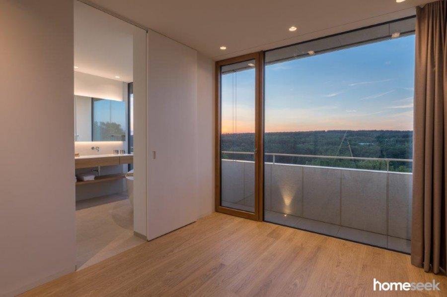 Appartement à louer 4 chambres à Luxembourg-Limpertsberg