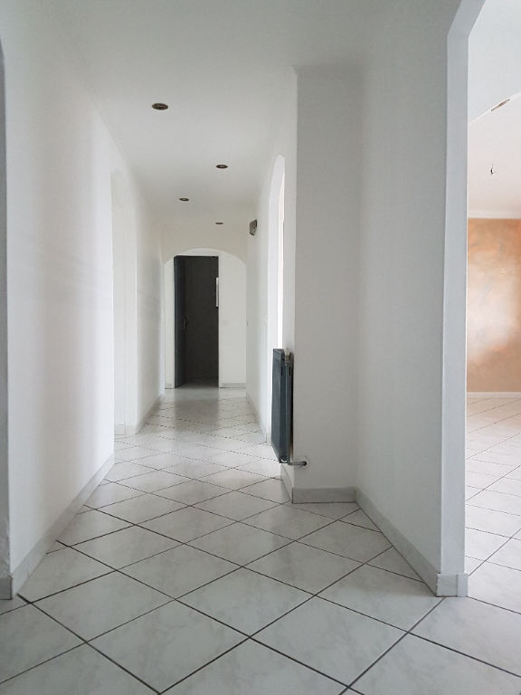 wohnung mieten 4 zimmer 101.37 m² forbach foto 1