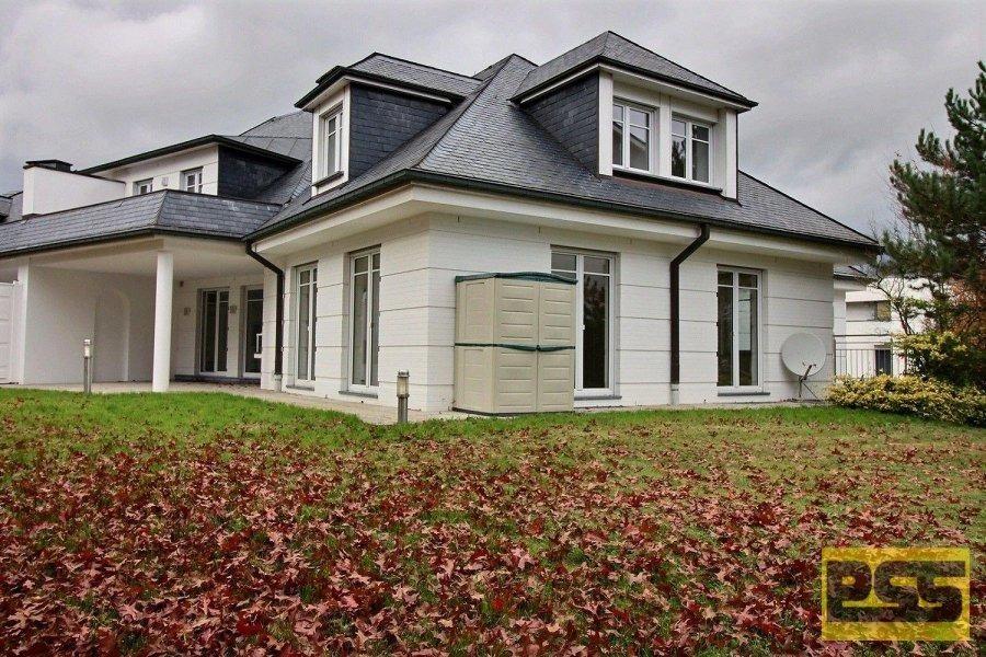 Villa à louer 4 chambres à Bertrange