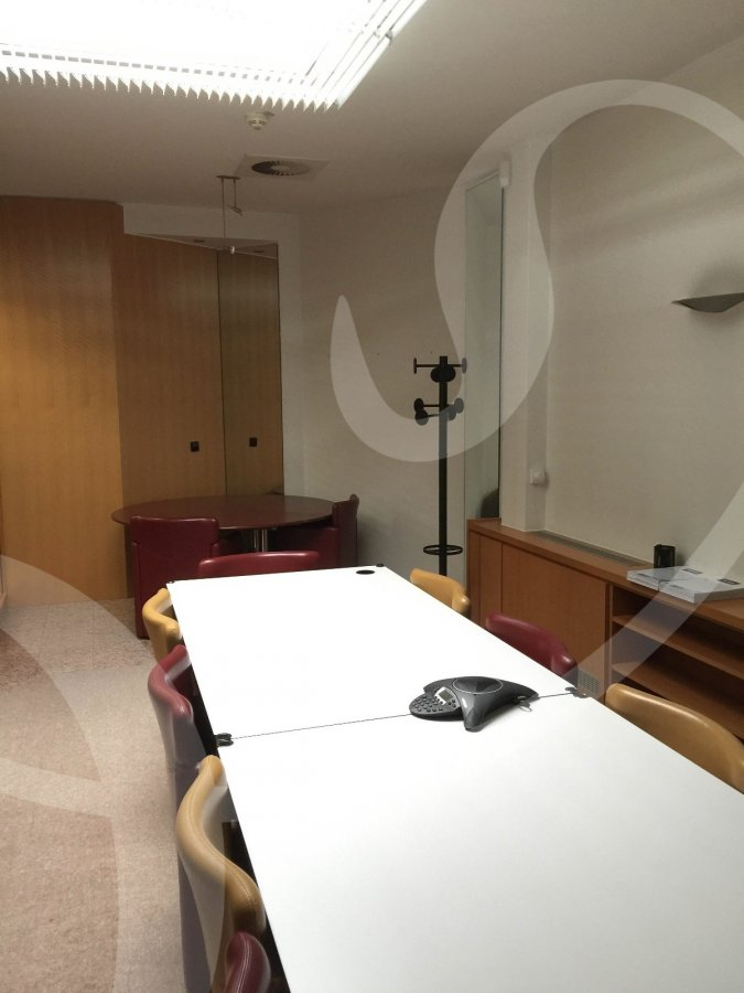louer local commercial 0 chambre 700 m² luxembourg photo 3