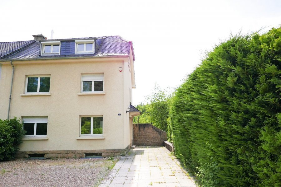 louer maison jumelée 4 chambres 230 m² bridel photo 1