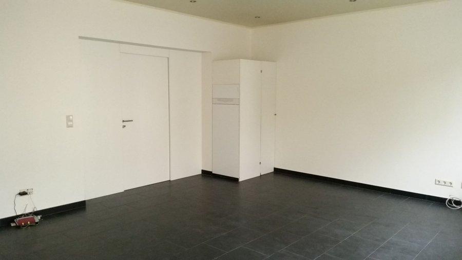 Bureau à louer 4 chambres à Luxembourg-Eich
