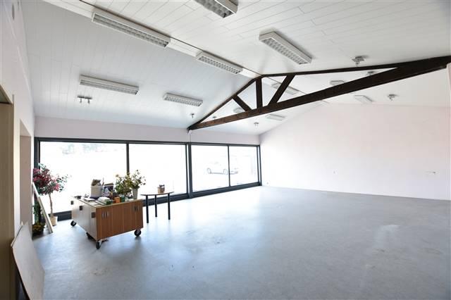 louer bureau 0 pièce 200 m² virton photo 4