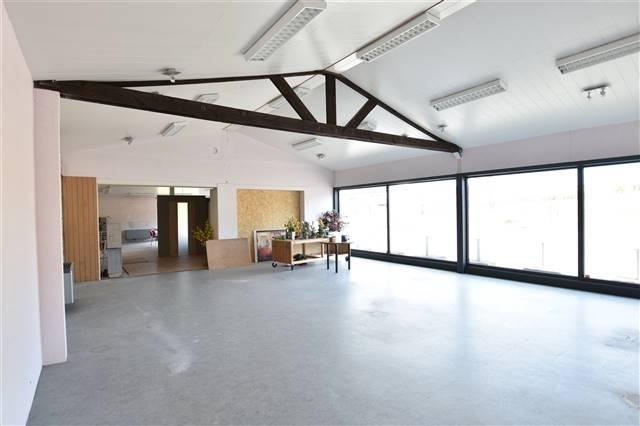 louer bureau 0 pièce 200 m² virton photo 2
