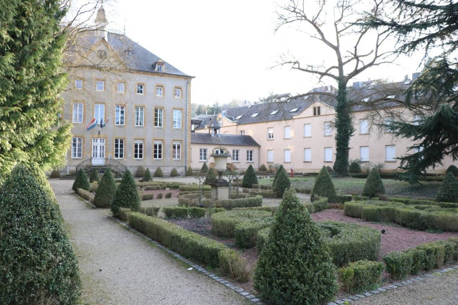 castle for rent 64 bedrooms 5559 m² schengen photo 1