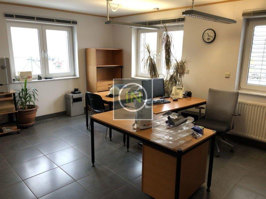 louer bureau 0 chambre 350 m² contern photo 2