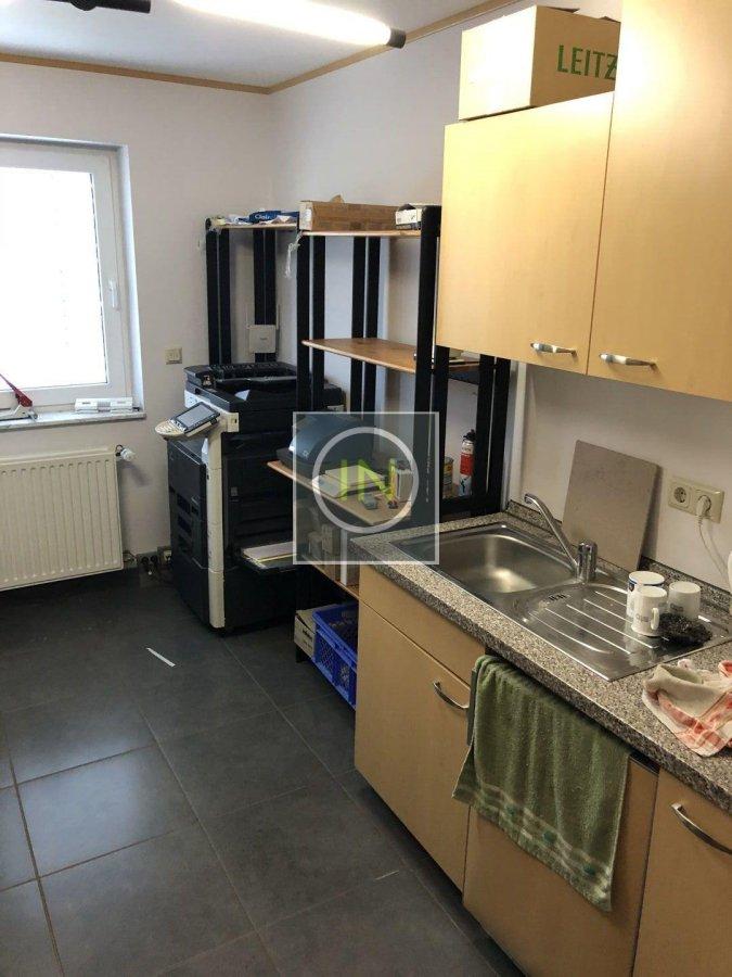 louer bureau 0 chambre 350 m² contern photo 3