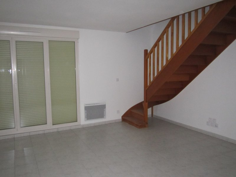 Appartement à louer F3 à Chateau du loir