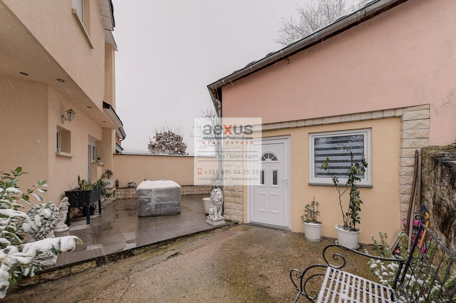 Maison jumelée à vendre 4 chambres à Luxembourg-Eich