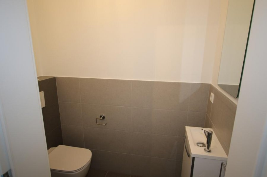 louer appartement 2 chambres 94 m² strassen photo 7