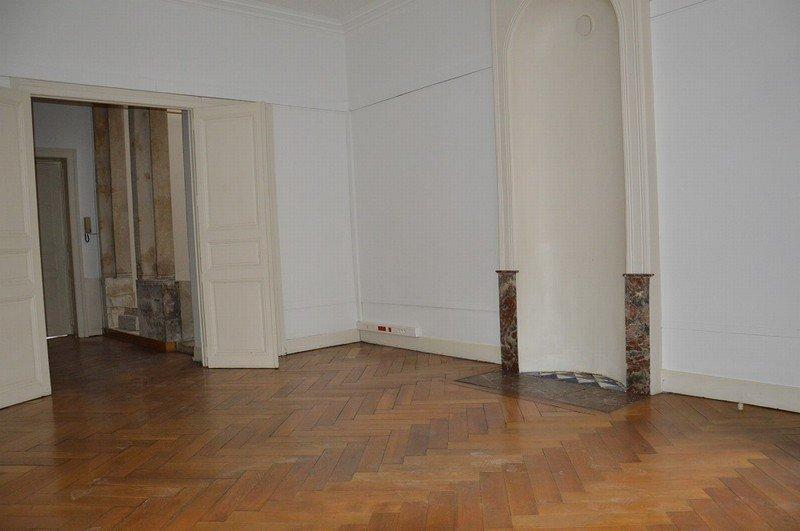 louer local commercial 0 pièce 200 m² nancy photo 3
