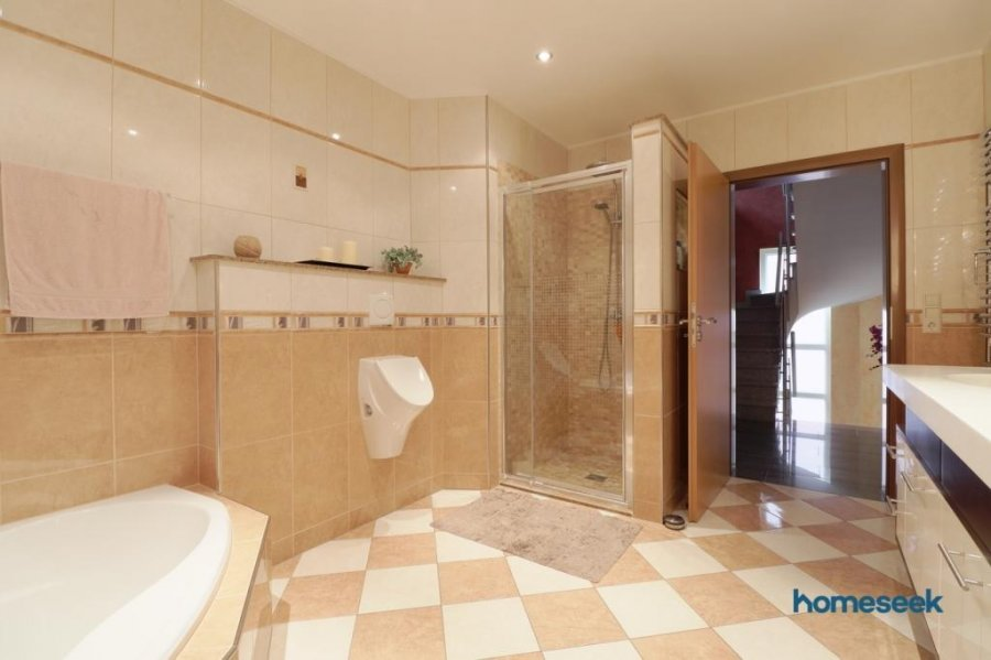Maison individuelle à vendre 5 chambres à Ermsdorf