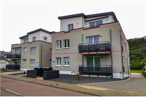 louer immeuble de rapport 2 pièces 65 m² konz photo 1