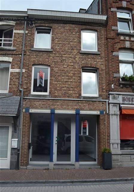 louer local commercial 0 pièce 95 m² marche-en-famenne photo 2
