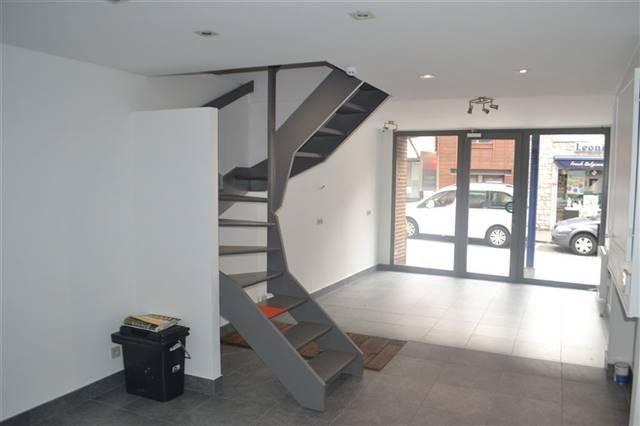 louer local commercial 0 pièce 95 m² marche-en-famenne photo 6