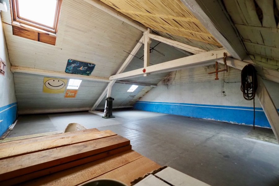 Maison mitoyenne à vendre 6 chambres à Esch-sur-Alzette