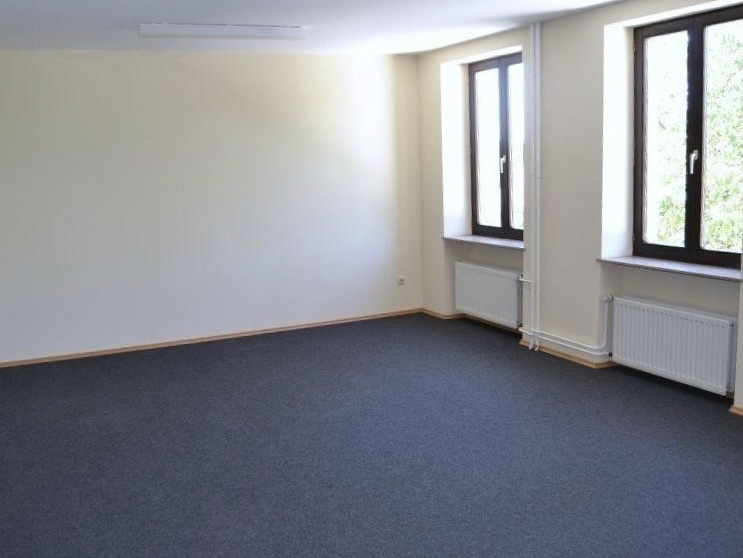 louer bureau 0 chambre 12 m² remich photo 2