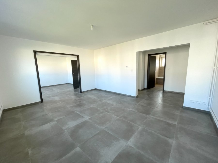 louer appartement 4 pièces 87.58 m² metz photo 2