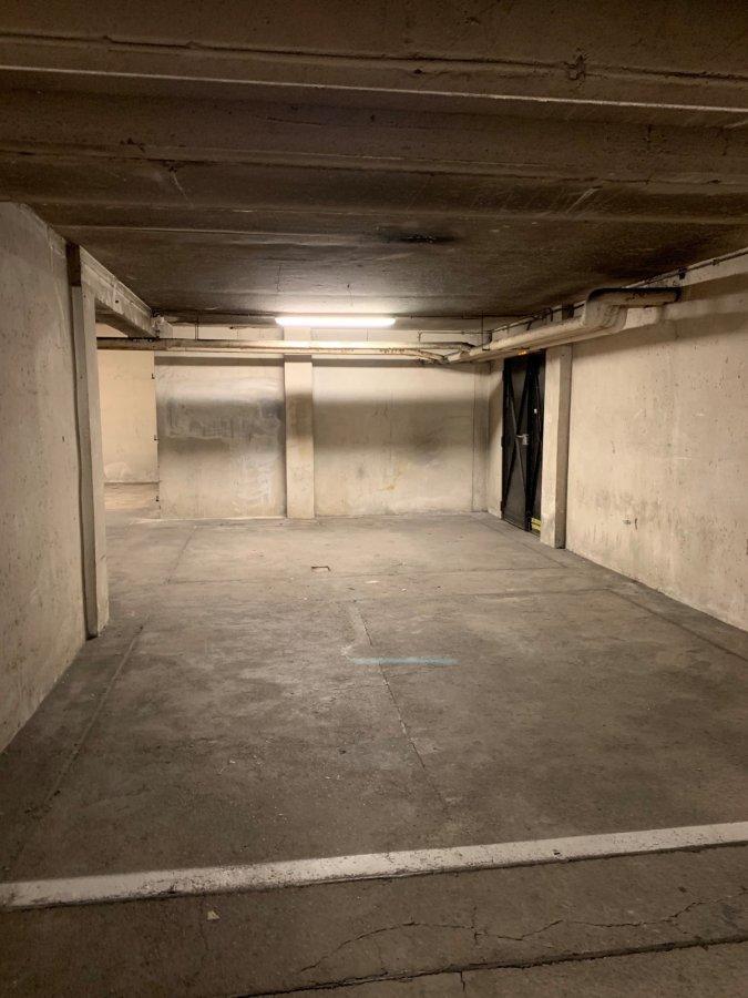 Garage fermé à louer à Metz-Gare
