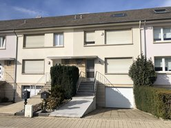 Terraced for rent 3 bedrooms in Strassen - Ref. 7113071
