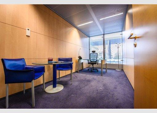 bureau louer luxembourg cloche d 39 or lu r f 4708719. Black Bedroom Furniture Sets. Home Design Ideas