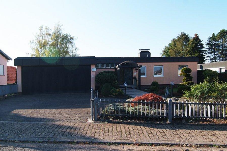 haus kaufen 9 zimmer 297 m² wadern foto 1