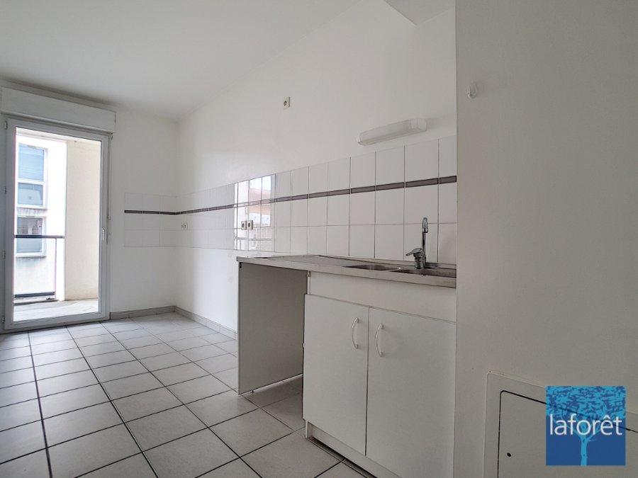 louer appartement 3 pièces 69.9 m² la roche-sur-yon photo 2