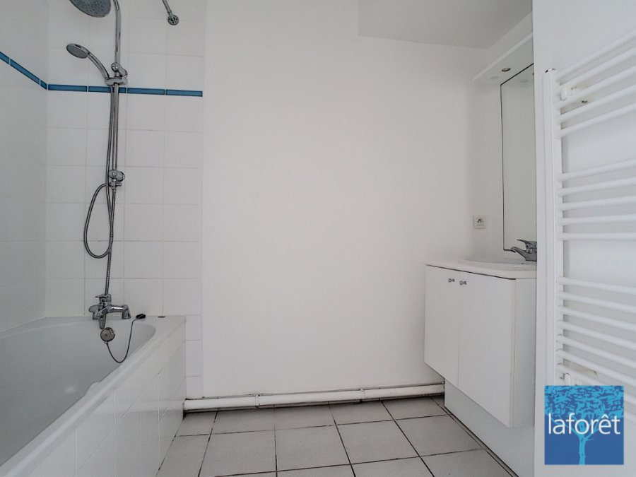 louer appartement 3 pièces 69.9 m² la roche-sur-yon photo 6
