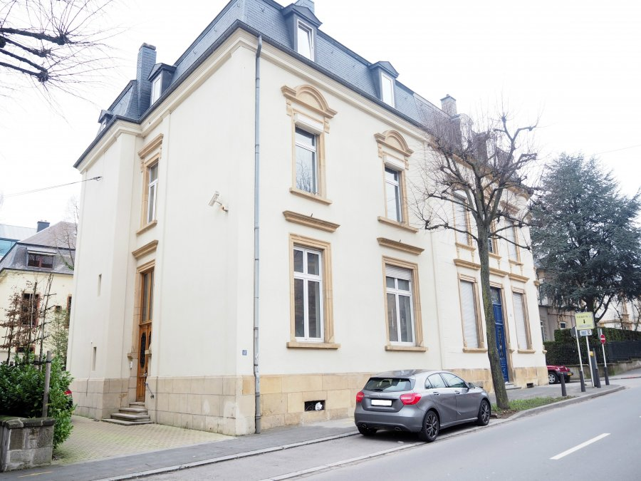 Maison de ma tre 8 chambres louer luxembourg centre for Chambre a louer luxembourg