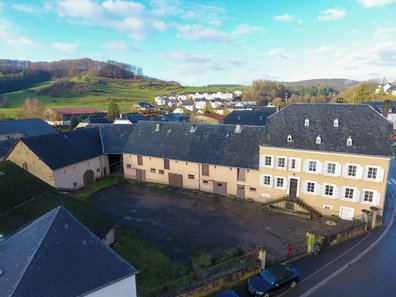Farm for sale 5 bedrooms in Bastendorf - Ref. 6631311